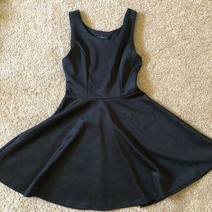 Simple Elegant little black dress